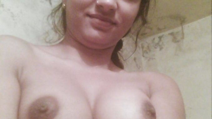 amateur desi college girl bhavana naked selfies 004
