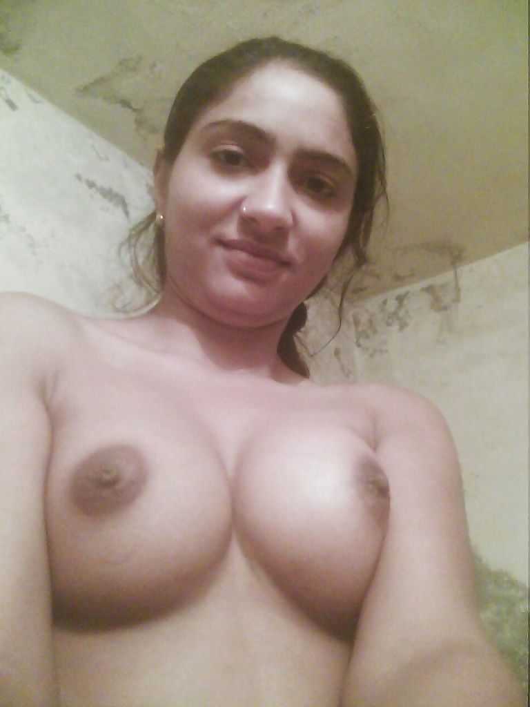Amateur Desi College Girl Bhavana Naked Selfies  Indian -7026
