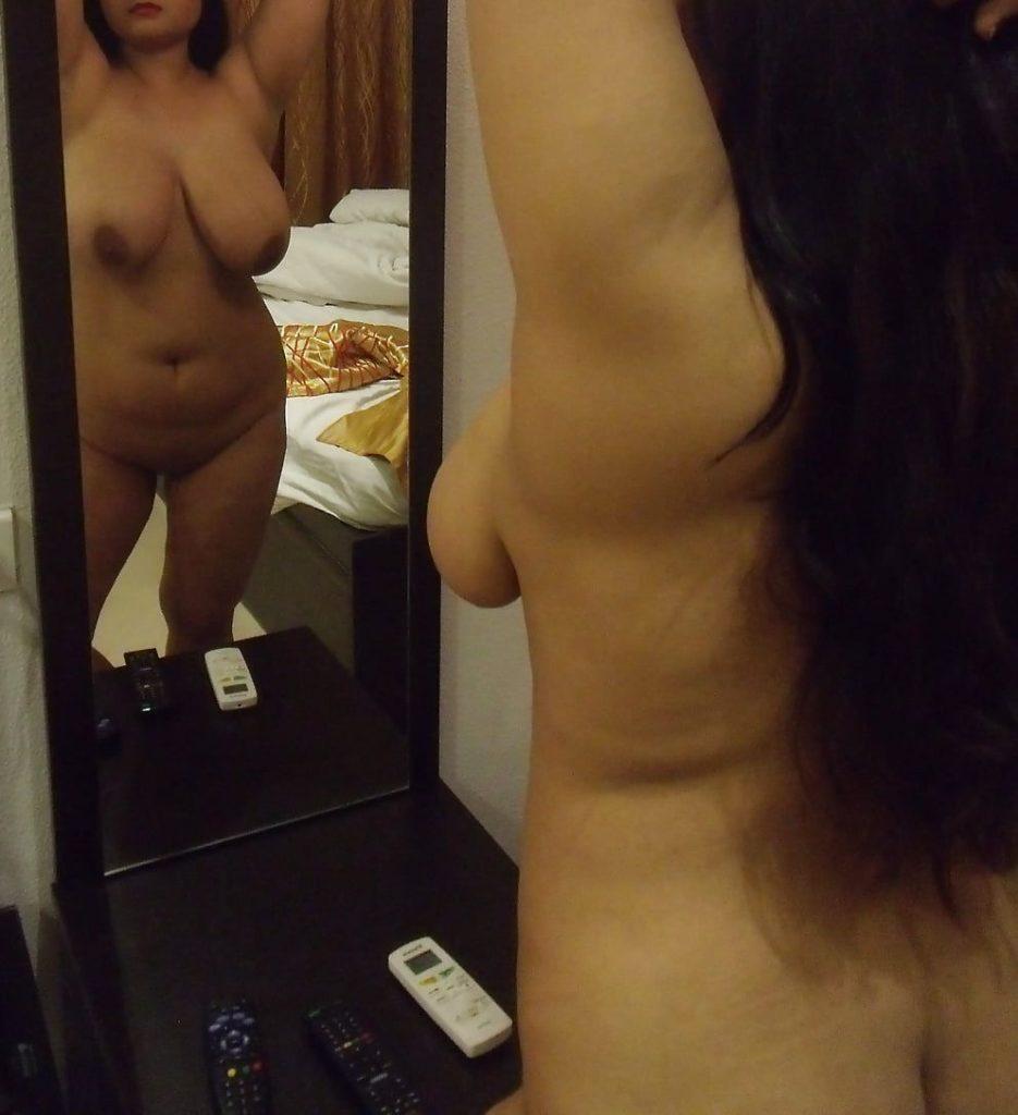 bengali divorcee wife nude big ass and boobs