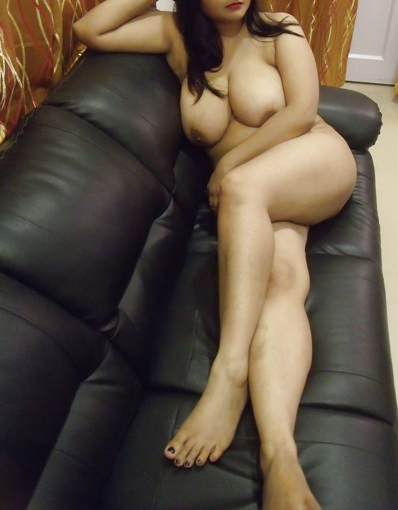 Girls enjoy pleasure nude