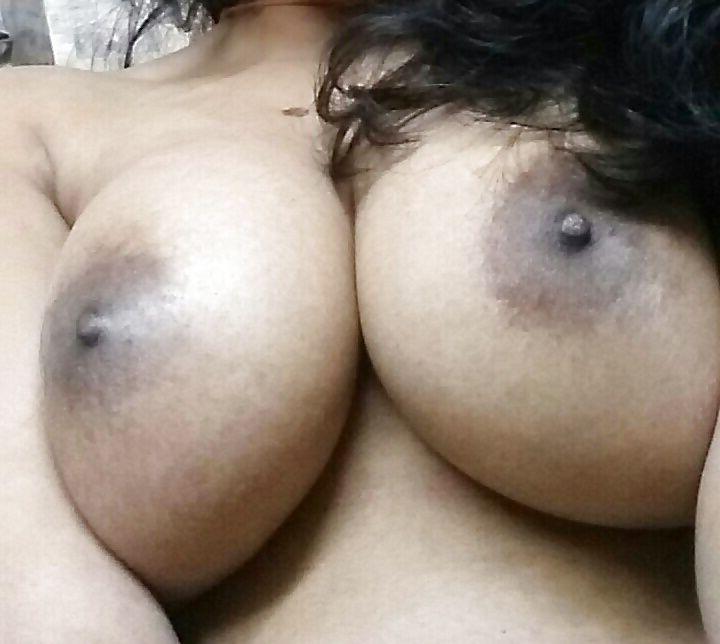 big boobies mallu girl naked selfies 004