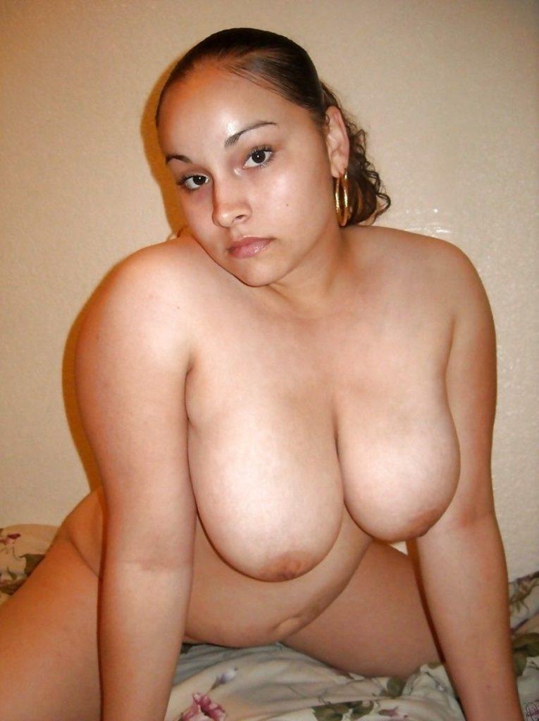 curvy muslim wife nude exposing milky boobs