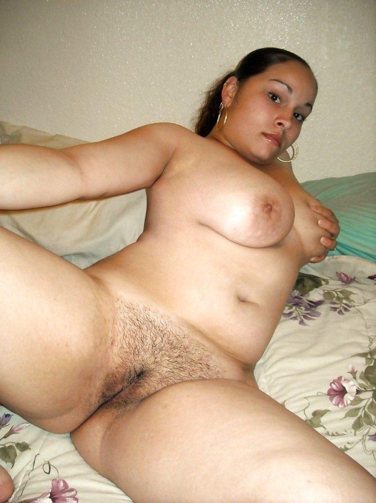 curvy muslim wife nude exposing milky boobs 003