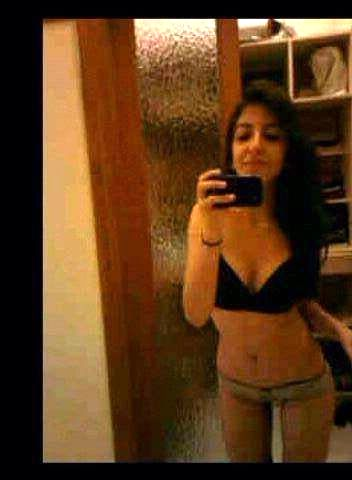 ex wife nude selfies sent by ex husband 001