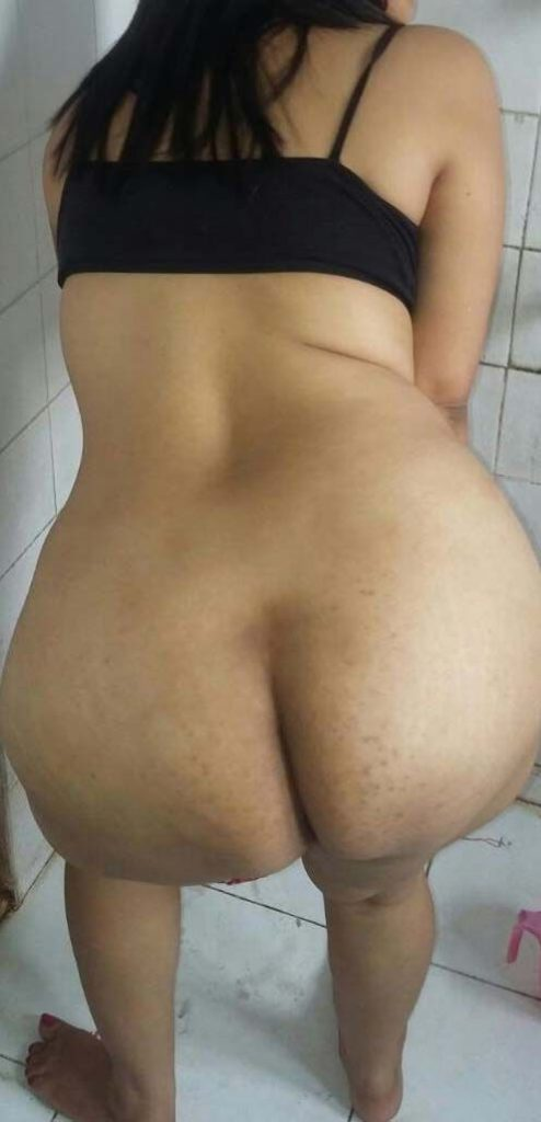 horny indian bhabhi exposing big boobs and ass 006