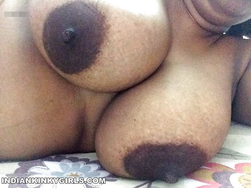 horny mallu aunty nude big boobs and ass show 004