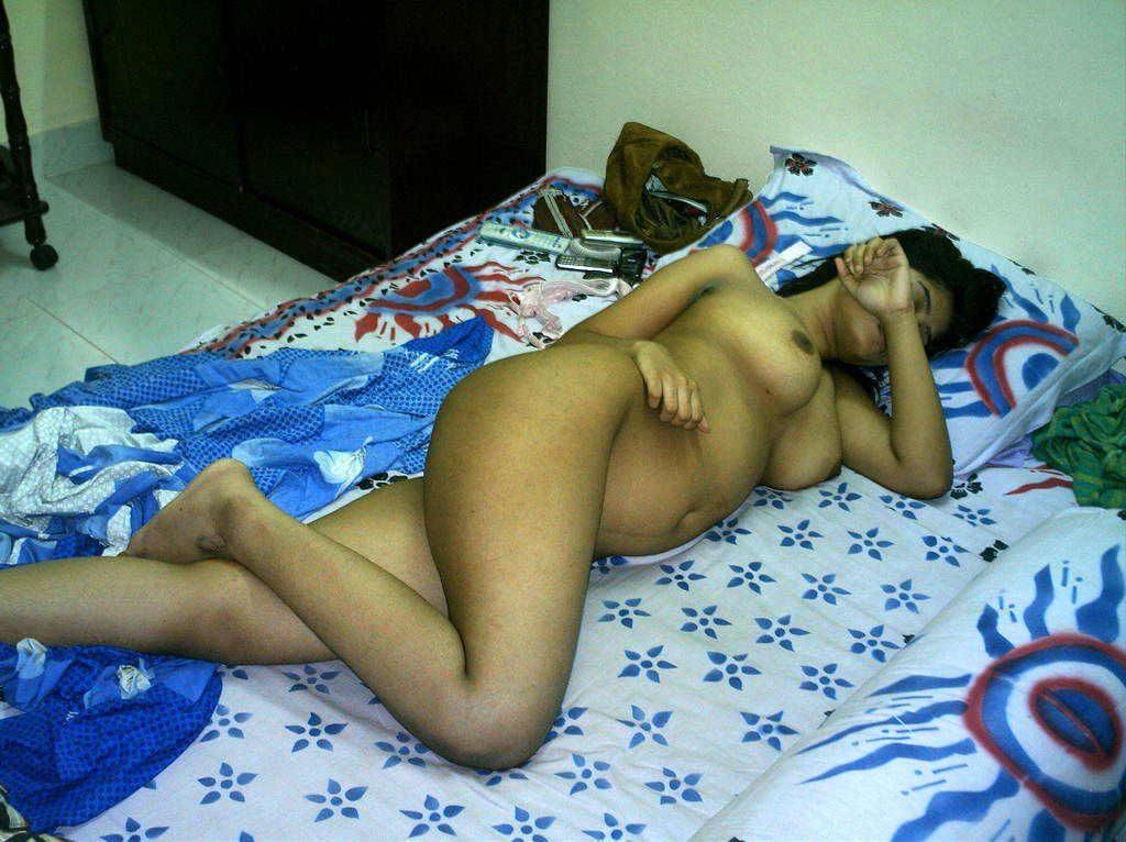 sleeping wife nude pics sent by cuckold husband 001