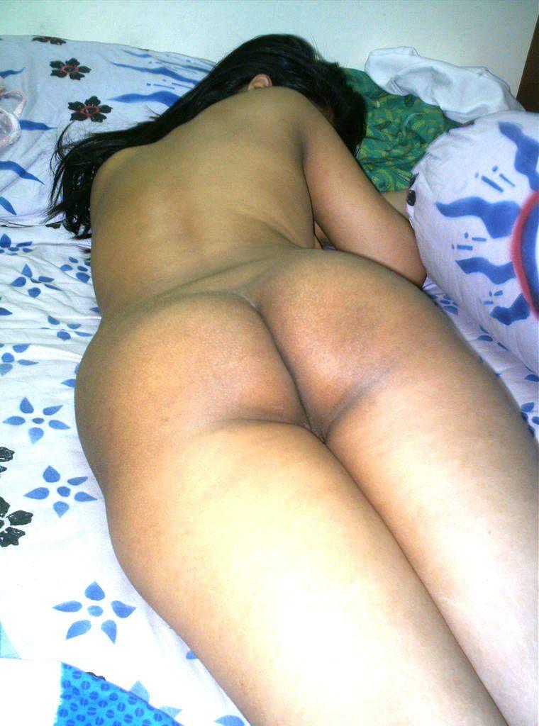 sleeping wife nude pics sent by cuckold husband 002