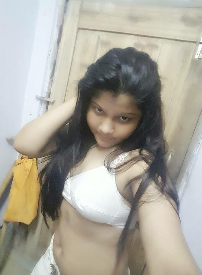 bangla busty teen showing boobs selfies