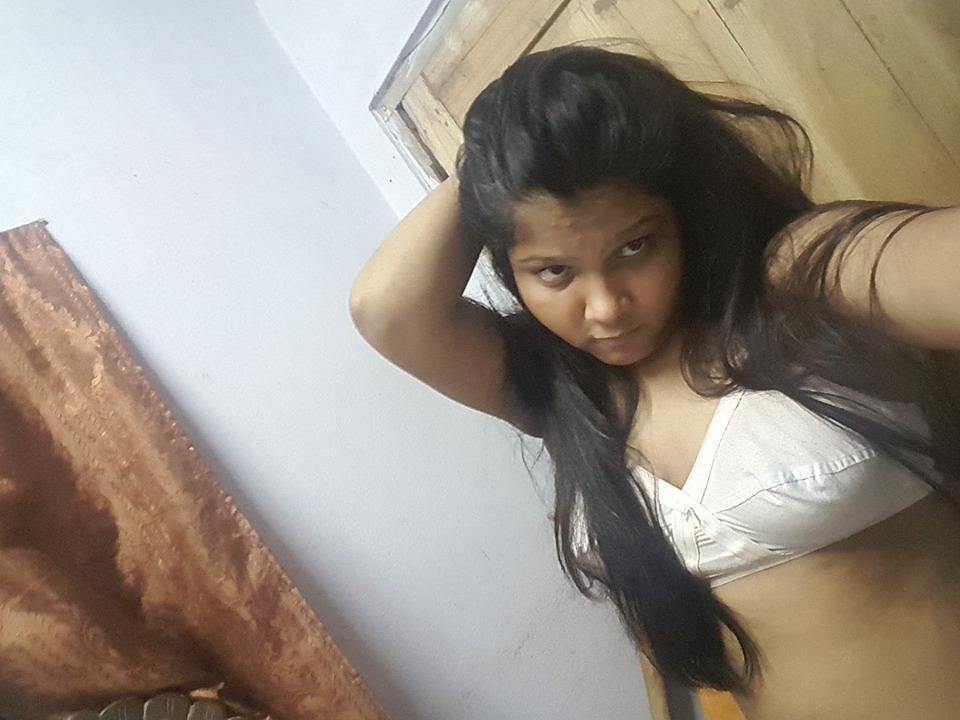 bangla busty teen showing boobs selfies 001