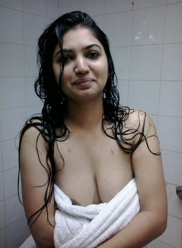beautiful desi college girl sexy selfies leaked