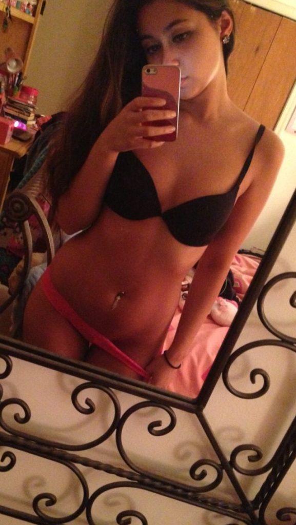stunning mumbai girl naked selfies leaked by ex bf 001