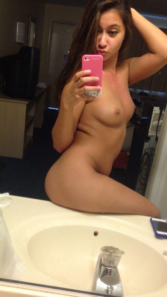 stunning mumbai girl naked selfies leaked by ex bf 006