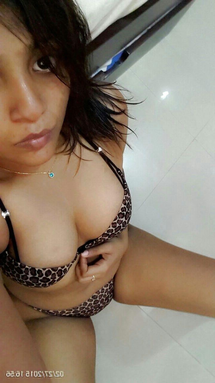 bengali babe rani cock teasing sexy selfies 002