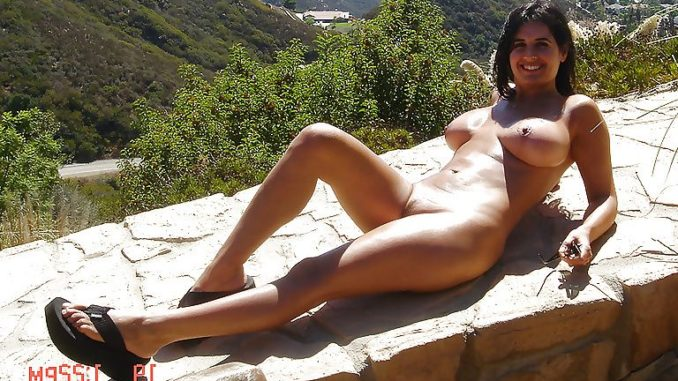 bengaluru businesswoman enjoying nude vacation photos 009