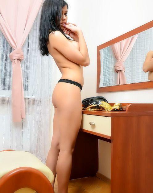 desi high profile escort nude striptease pics 002