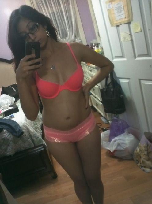 hot college girl nude selfies 002