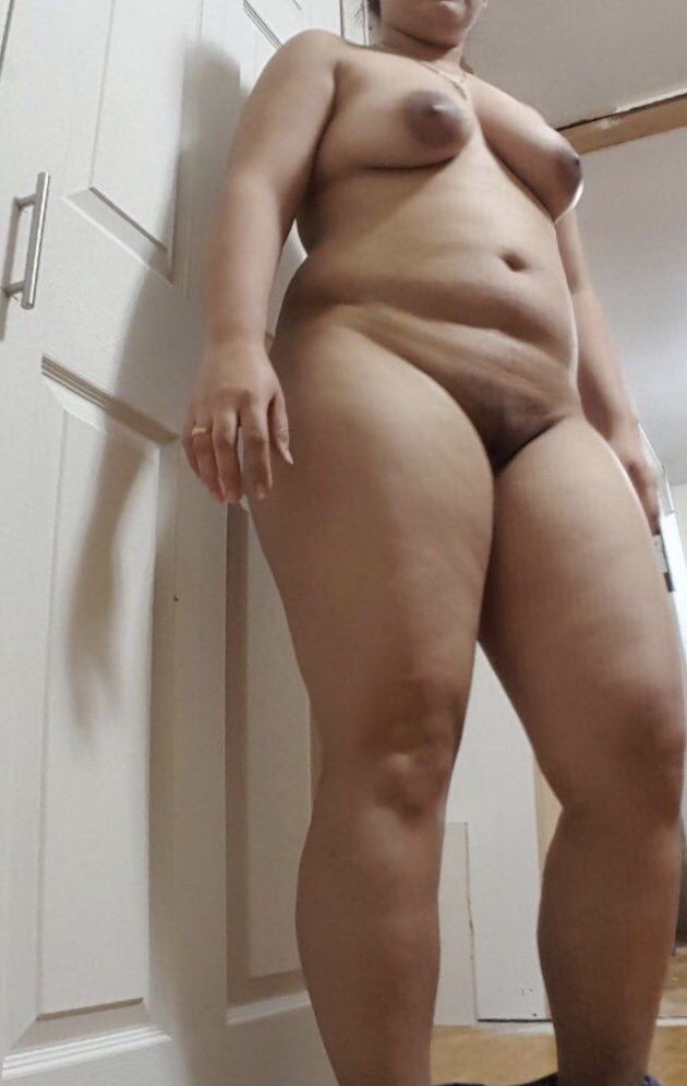 nri milf from canada nude selfies loves to tease