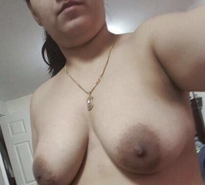 nri milf from canada nude selfies loves to tease 001