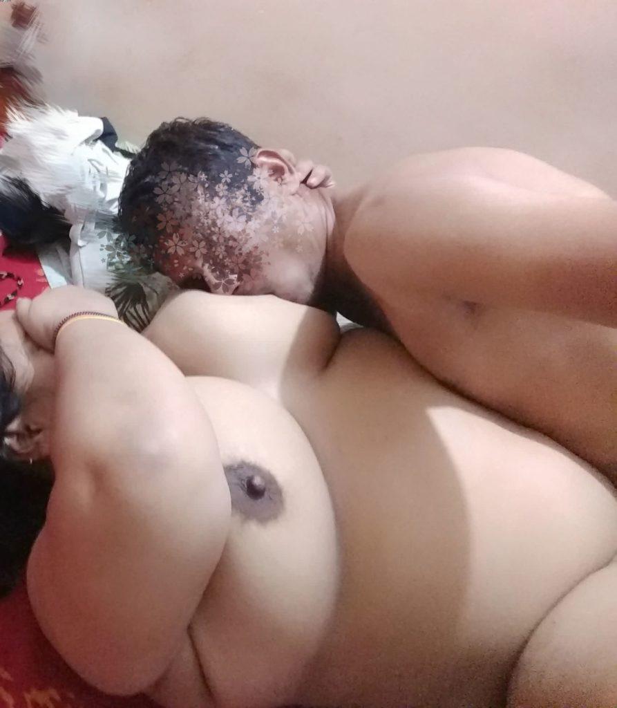 Indian women bathing video-3303