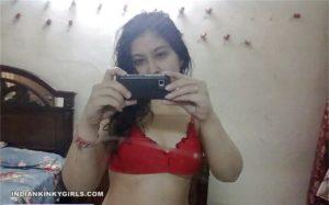 young curvy teen nude selfies leaked