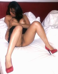 boss wife enjoying with manager nude seducing pics 003