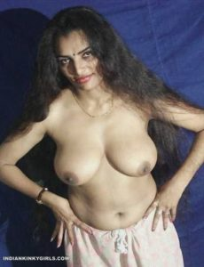 desi randi biwi nude showing amazing boobs 005
