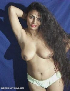 desi randi biwi nude showing amazing boobs 006