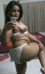 horny bangla bhabhi selfies masturbating with carrots 003