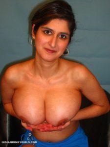huge boobies indian aunty naked smoking cigarette 006