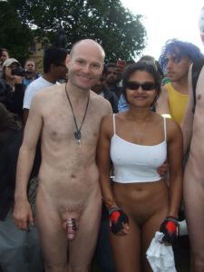 nudist indian exposing naked body publicly in usa 008