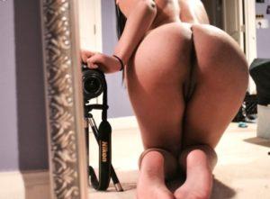sexy mumbai rich babe naked selfies 003