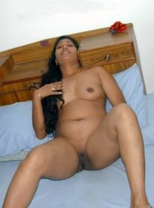 beautiful chennai working wife nude seducing boss 009
