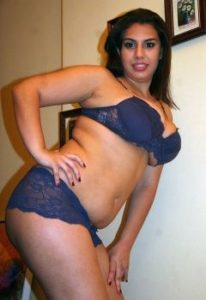 curvy rich indian wife naked seducing pics 002