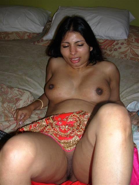 horny indian aunty nude showing big assets 005