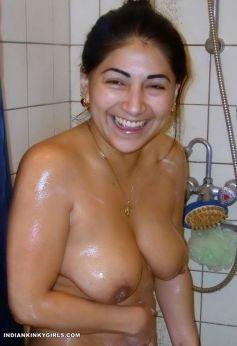 Naked girl heat tube vids
