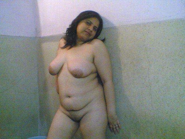 Naked mature bhabhi