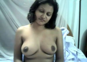 nude indian wife giving blowjob exposing big boobs 003
