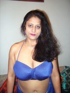 punjabi aunty naked photos with huge boobs 001