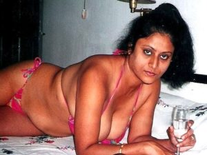 punjabi aunty naked photos with huge boobs 002