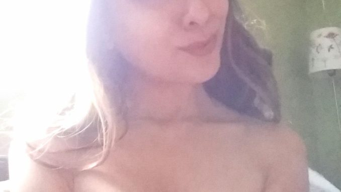beautiful topless desi girlfriend boobs perky tits 003