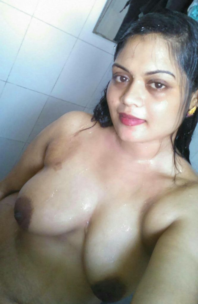 Hot Sexy Aunty Naked Boobs Show Selfies  Indian Nude Girls-6966