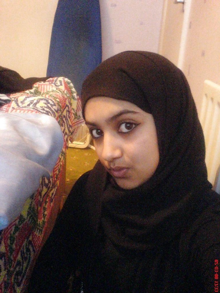 naughty muslim girl topless selfies in washroom