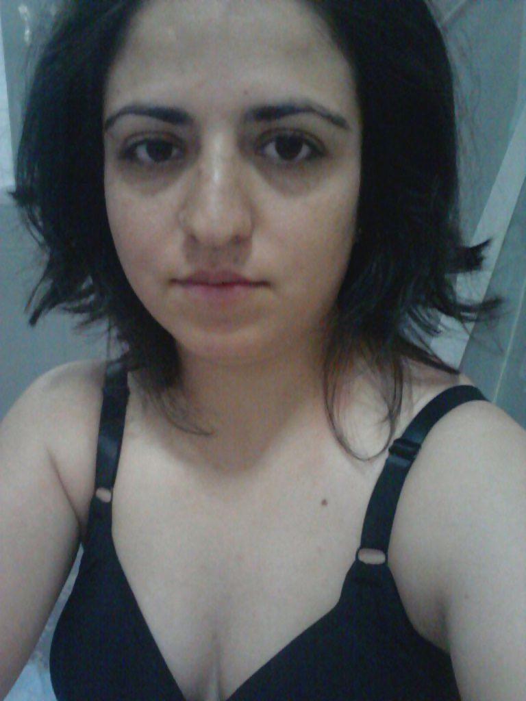 naughty wife sending nude selfies leaked 001