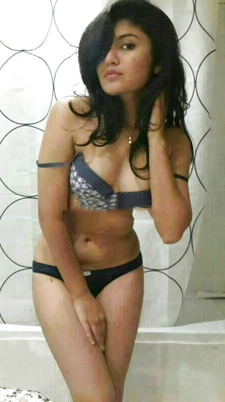 sexy richa topless selfies showing tight breasts 002