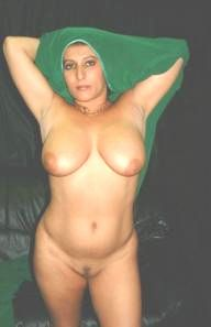 tharki desi aunty sitting naked waiting for sex 001