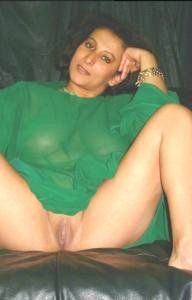 tharki desi aunty sitting naked waiting for sex 002