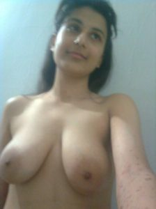 indianpretty indian college girl naked selfies leaked 004