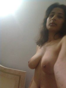 indianpretty indian college girl naked selfies leaked 005