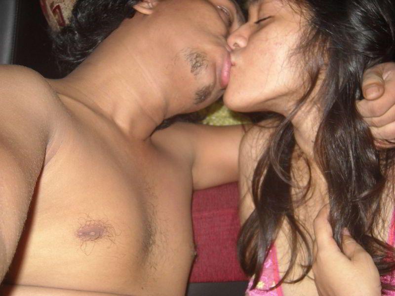 Pussy poping porn pics